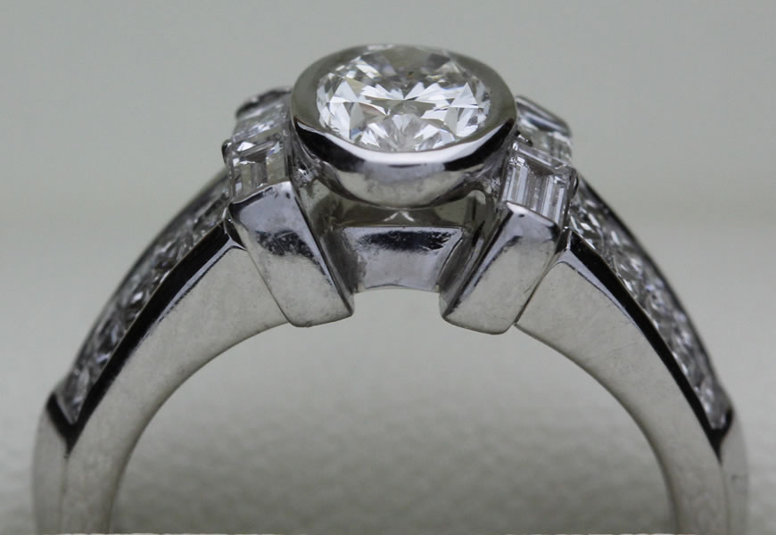 Featured Ring- The Oval Queen